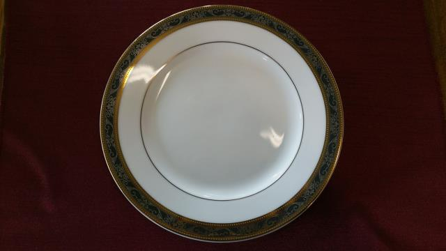 Where to find PLATE, 6  WHITE W  GOLD BLK SILVER in Vinton